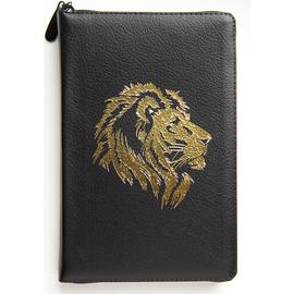 """Библия (14,3х22 см, натуральная кожа, чёрный, дизайн """"золотой лев"""", молния, золотой обрез, индексы, 2 закладки, слова Иисуса выделены жирным, крупный шрифт)"""